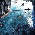 写真: 門脇灯台を中心に全長9kmのハイキングコースがあります。門脇崎の海の吊り橋は長さ48m高さ23mの橋から見下ろす海岸は迫力がありとても美しいです。