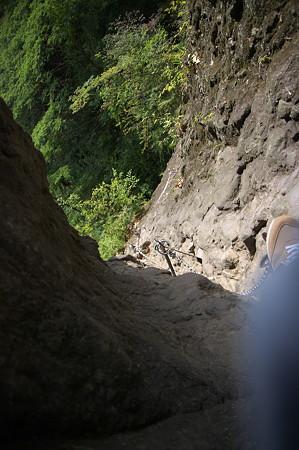 IMGP7207第2石門の先は断崖を降りる
