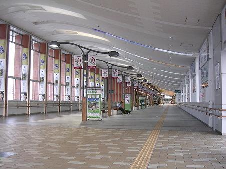秋田駅東西連絡自由通路