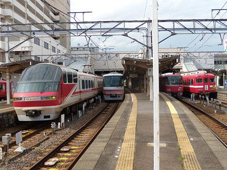 犬山駅4並び