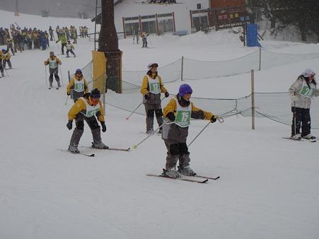 110207 太平中スキー実習 (3)