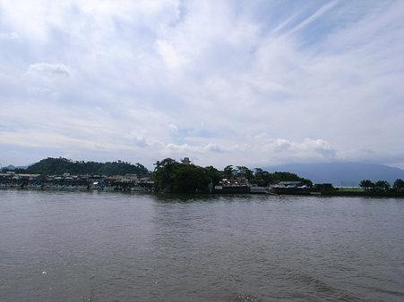 沼津港の対岸にある「島上寺」