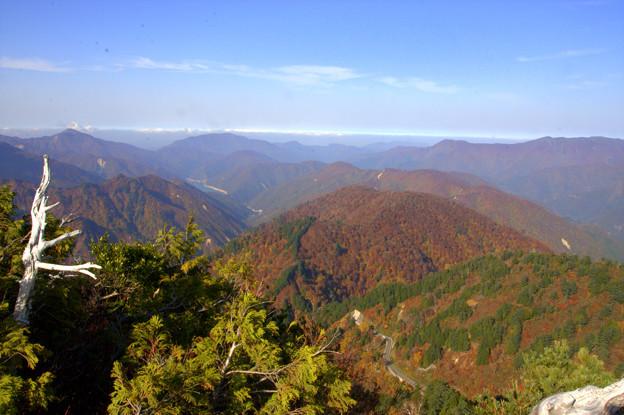 三方岩岳山頂から(1)