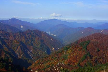 三方岩岳から(2)  白山スーパー林道 紅葉
