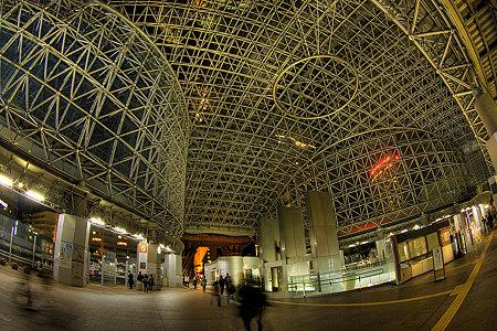 金沢駅の夜