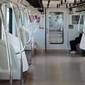 始発駅の通勤電車