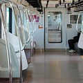 Photos: 始発駅の通勤電車