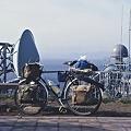 写真: 竜飛崎より北海道を臨む
