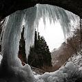 洞窟の氷柱滝