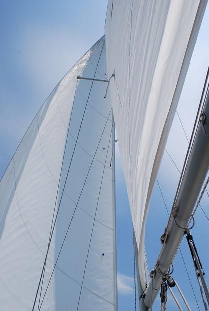 Photos: 4-13-09 WindySailing