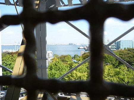 091012-マリンタワー 階段 (11)