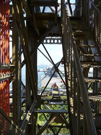 091012-マリンタワー 階段 (16)