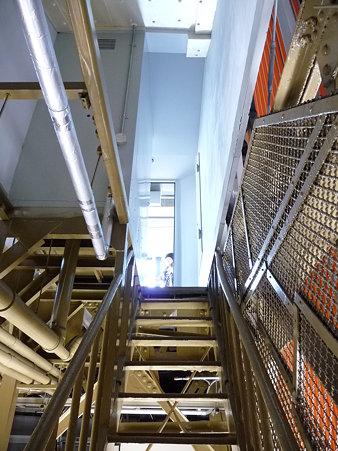 091012-マリンタワー 階段 (41)
