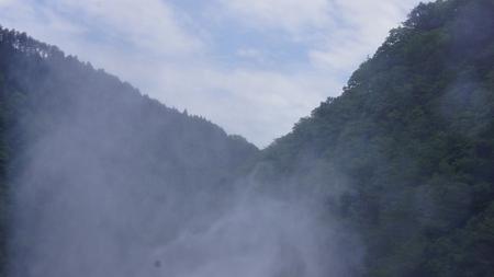 温井ダムドライブ (45)放水