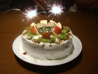 最後にこんな華やかなケーキが。