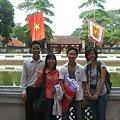 写真: 07学生と文廟で