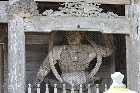 2009.08.12 遠野 かっぱ渕 常堅寺 山門の仁王