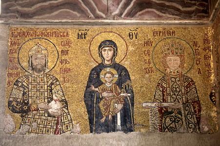 2011.01.28 トルコ イスタンブル アヤソフィア 聖母子と12世紀の皇帝ヨハネス2世コムネノス夫妻のモザイク画