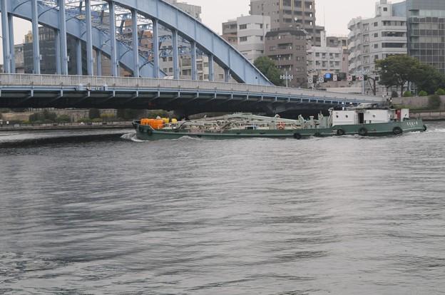 船と永代橋