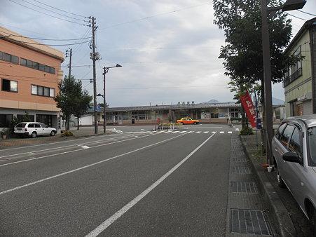 090828-5 朝の小出駅
