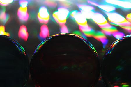 ホログラム上のビー玉2