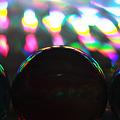 写真: ホログラム上のビー玉2