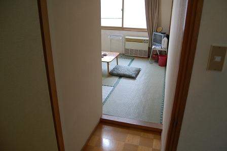 客室のドアを開けると、こんな光景