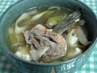生秋鮭のアラは野菜と味噌仕立てで