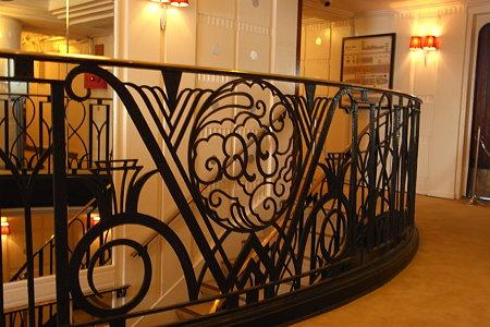 氷川丸 客室階段