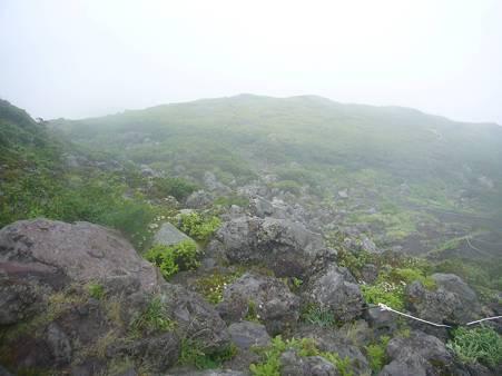 山頂付近の岩場