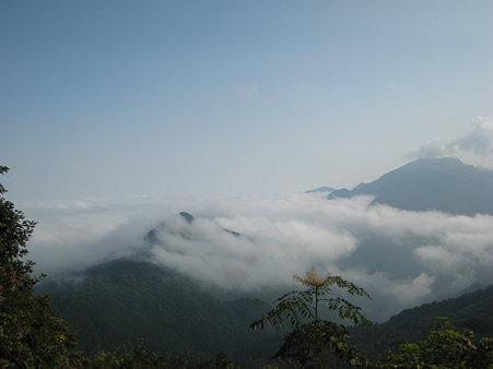 雲海と瓶ヶ森2