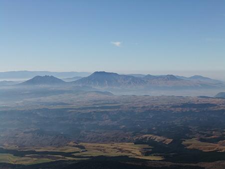 久住山山頂から望む阿蘇山