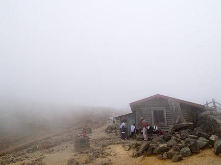 那須・峰の茶屋跡避難小屋